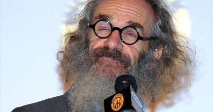 Já cuidar da barba que é bom nada, né? af